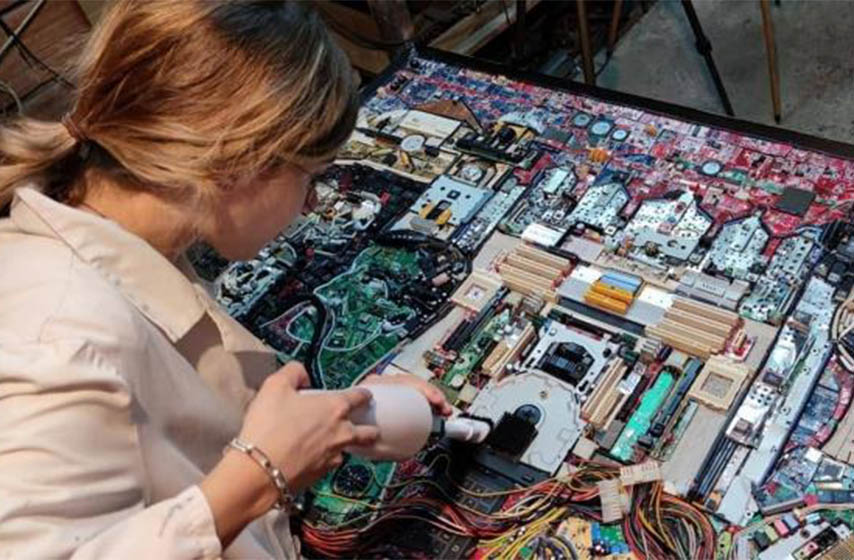 danica maksimovic, mozaik od elektronskog otpada, elektronski otpad